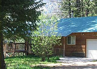 Lightning Creek Cabin in Garden Valley, Idaho.