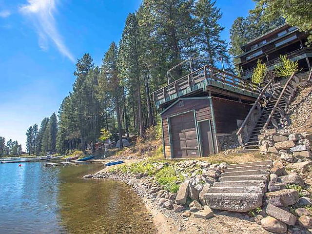 Cocollala Lake Home in Sandpoint, Idaho.