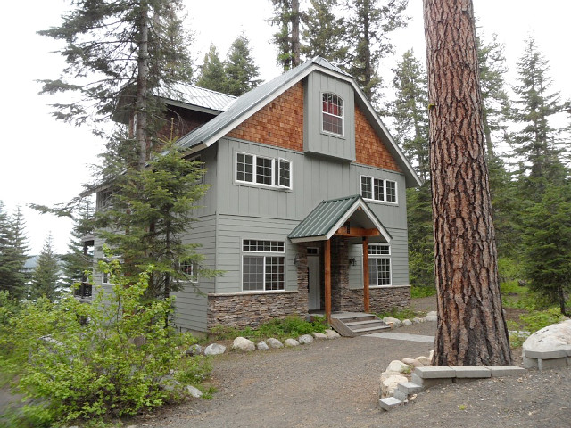 Harris Cove Lodge in McCall, Idaho.