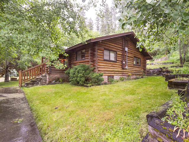 Lincoln Log Cabin in Coeur d Alene, Idaho.