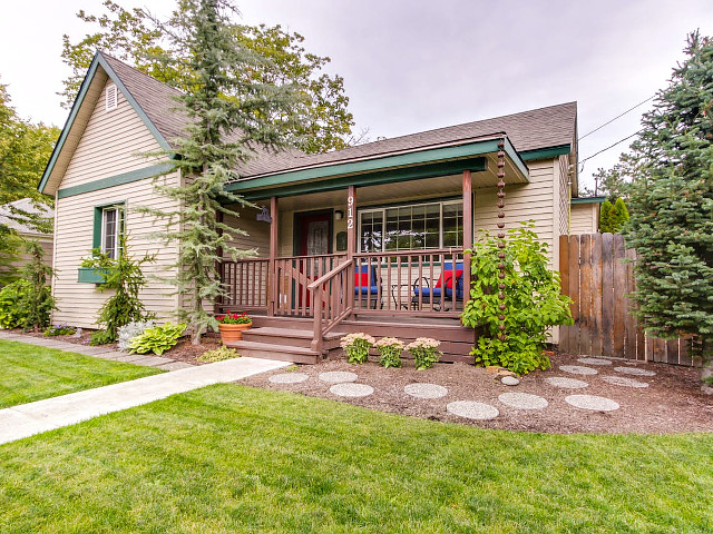 Cozy Downtown Bungalow in Coeur d Alene, Idaho.