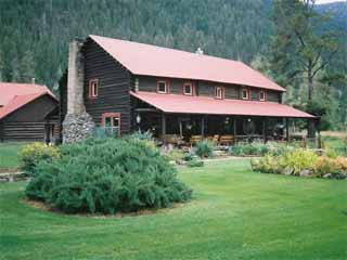 Wapiti Meadow Ranch-Cabins in Cascade, Idaho.