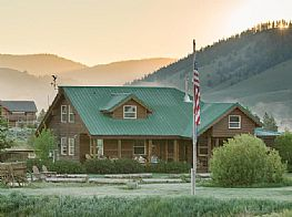Cabins and Home Vacation Rentals in Stanley Idaho
