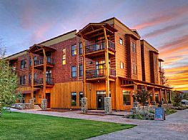 Reserve Hotels and Motels in Victor Idaho