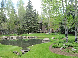 Dollar Meadows vacation rental property