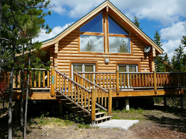 The Pines At Island Park 3 Bedroom Cabins Island Park Idaho Vacation Rental Cabin Home A Place To Rent Or Stay In Island Park 1 800 844 3246 Mobile Site