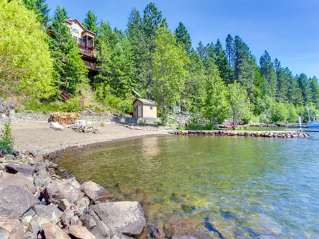 Picture of the Chateau Du Lac in Coeur d Alene, Idaho