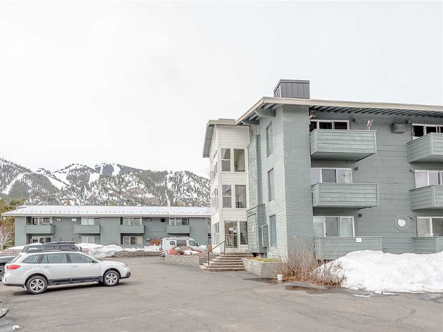 Wildwood Condominiums Sun Valley vacation rental property