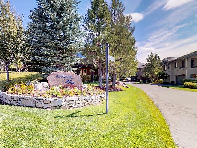 Sunpointe Villas vacation rental property