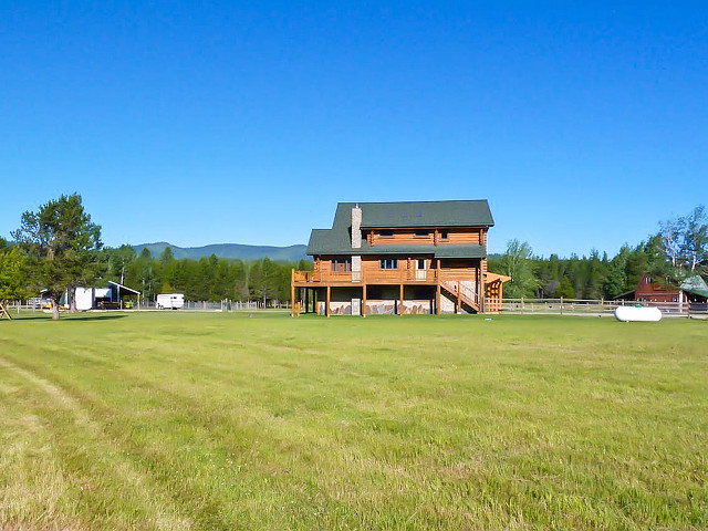Picture of the Waterfront Ranch on Pend Oreille in Sandpoint, Idaho