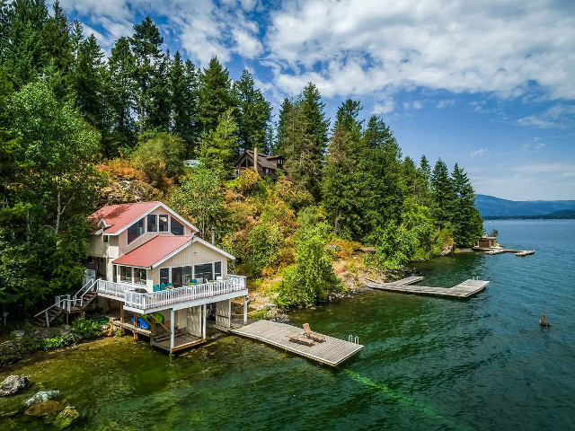 Picture of the Waterfront Cabin on Bottle Bay Road in Sandpoint, Idaho