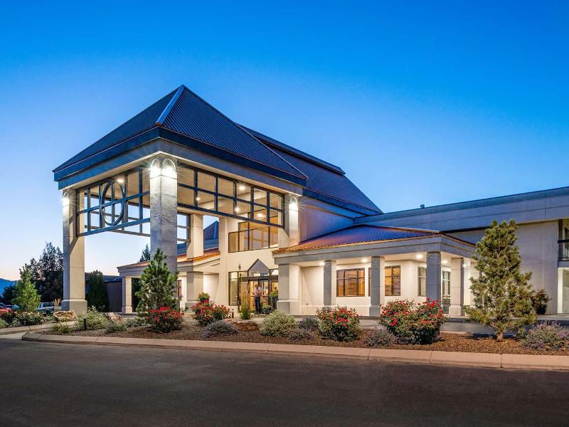Best Western Vista Inn vacation rental property